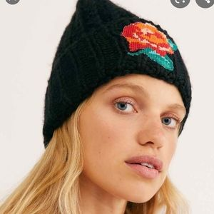 Free People Everything Rosy Beanie black toque